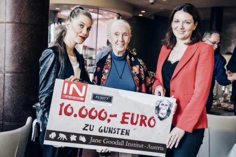 NUSSYY® und SPAR Österreich bei der Scheckübergabe an das Jane Goodall Institut - Austria